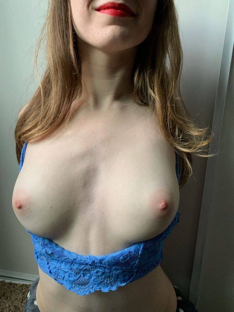 gros nibards snap nude